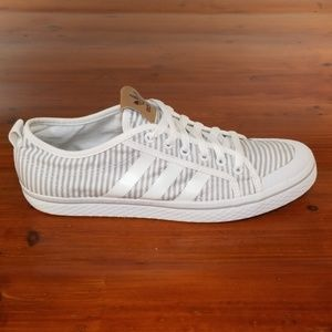 Adidas Orginals Honey Low. Womens Size 10.